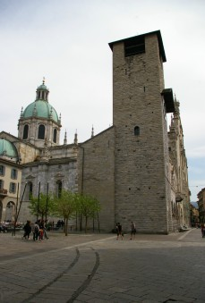 Como 的教堂