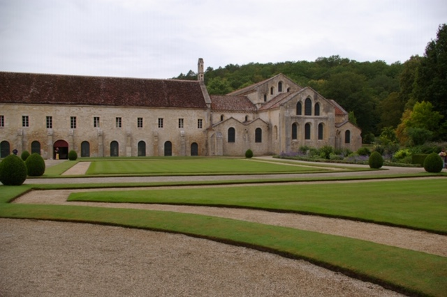 Abbey de Fontenay outside.JPG
