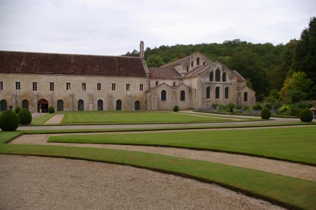 Abbey de Fontenay outside.JPG