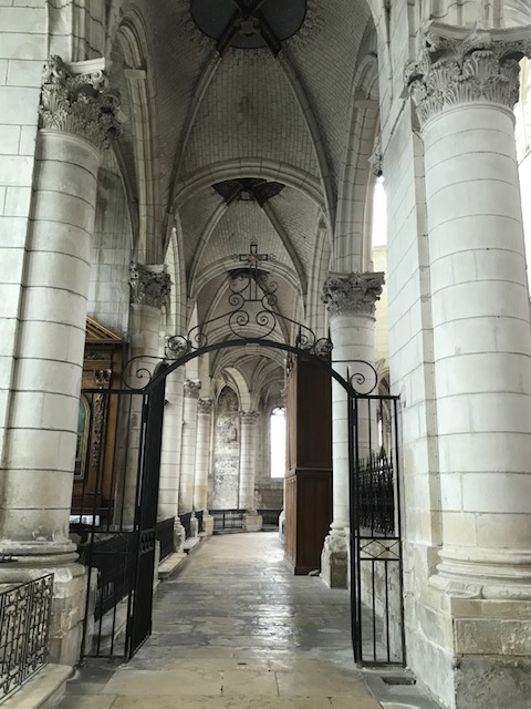 Auxerre St Pierre Church inside