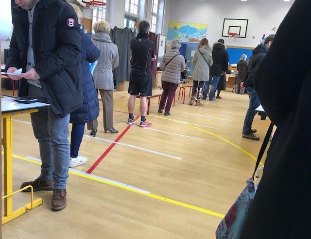 Paris election voting office